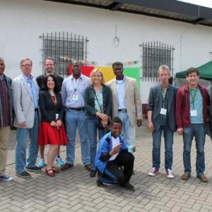 Herr Kolbe (2. v.l.), Frau Altunbaş-Alpaslan (3. v.l.), daneben Herr Amadou Diallo. Rechts Herr Schmidt, Herr Kosan, Herr Yacoubou